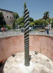 istanbul_hippodrome_spina_serpents_column3